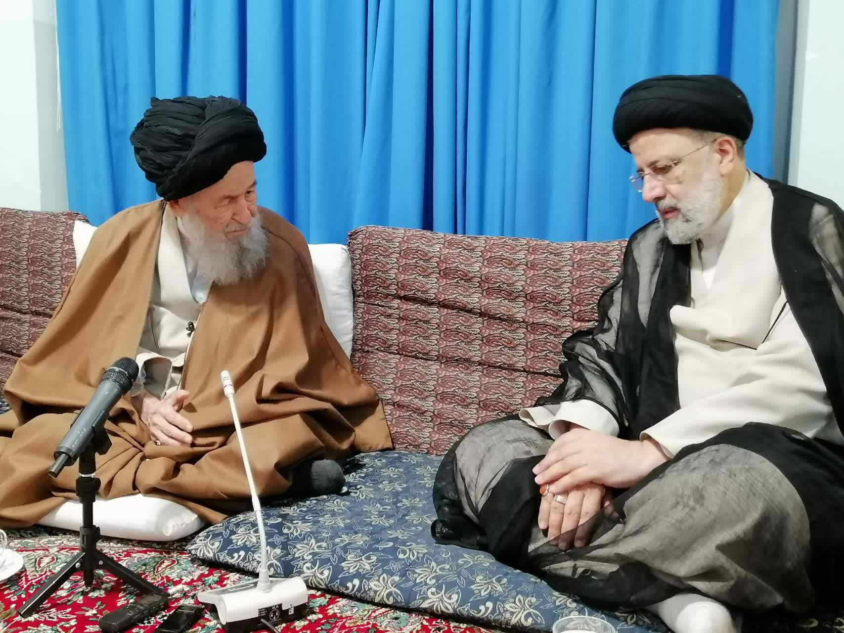 Photo of معظم له در دیدار با حجتالاسلام والمسلمین رئیسی رئیس جمهور منتخب اظهار داشتند: شما شخص خدومی هستید و امید است بتوانید کشورمان را سروسامان بدهید.